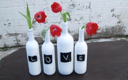 diy-wedding-centerpieces-bottles-red-wedding-flowers.full